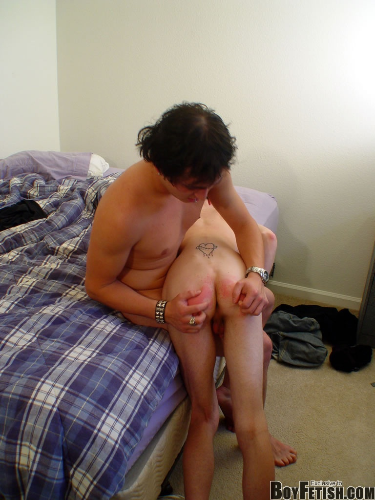 Hot gay twink clips for free